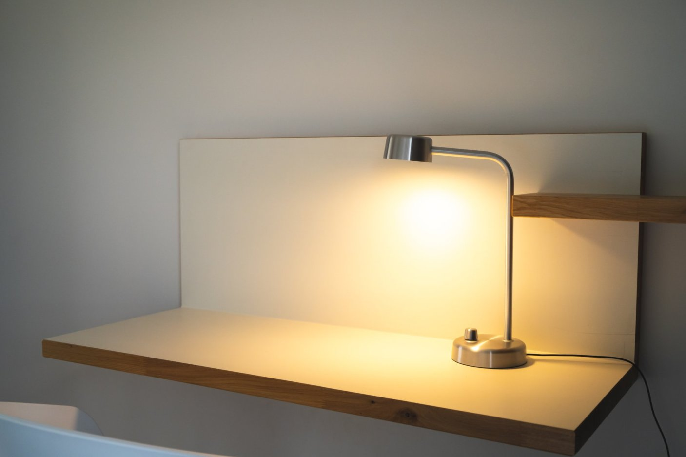 Bedstand with lamp